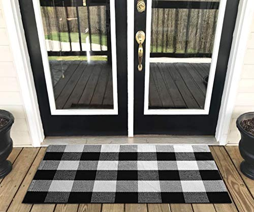 """Levinis Buffalo Plaid Rug Outdoor – Retro Farmhouse Tartan Checkered Plaid Rug Black and White Hand-Woven Washable Floor Rugs for Kitchen/Bathroom/Entry Way/Laundry Room, 23.6"""" x 51.2"""""""