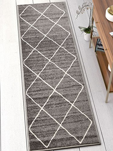 Well Woven Kings Court Clover Modern Grey Geometric Trellis 2′ x 7′ Runner Indoor/Outdoor Area Rug